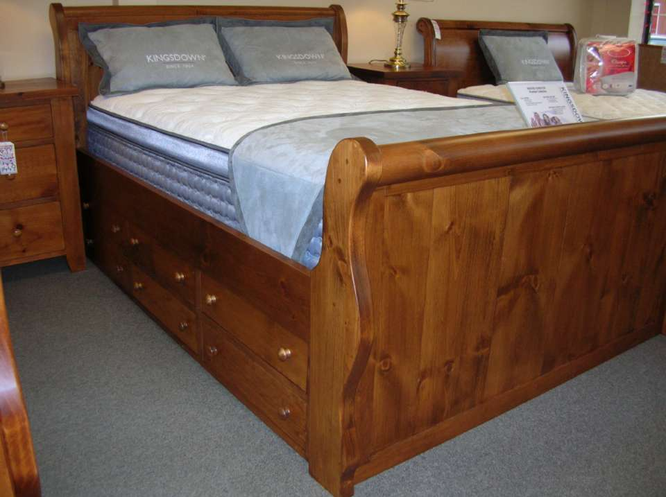Rough Sawn Ninth River Queen Size Sleigh Bed